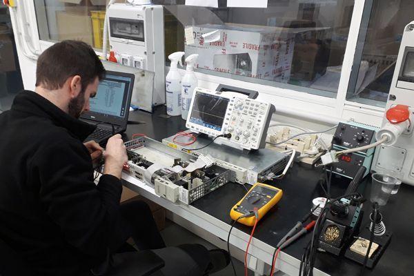 Ricerca di lavoro: tecnico riparatore schede elettroniche